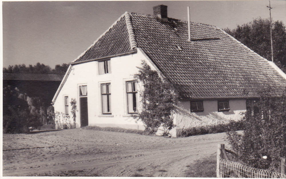 f002_molenaarshuis1riot